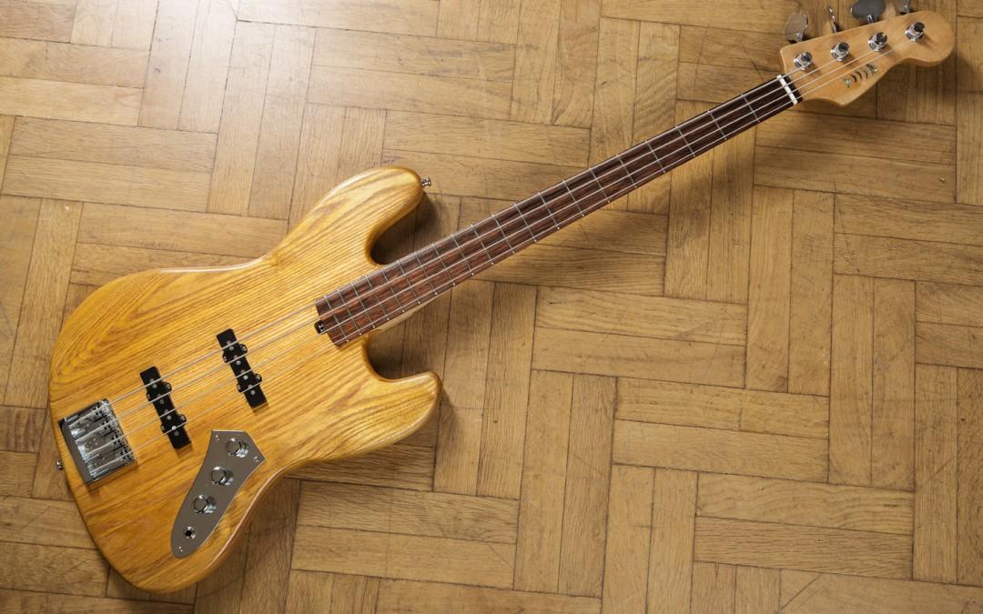 Jazz Bass Natural